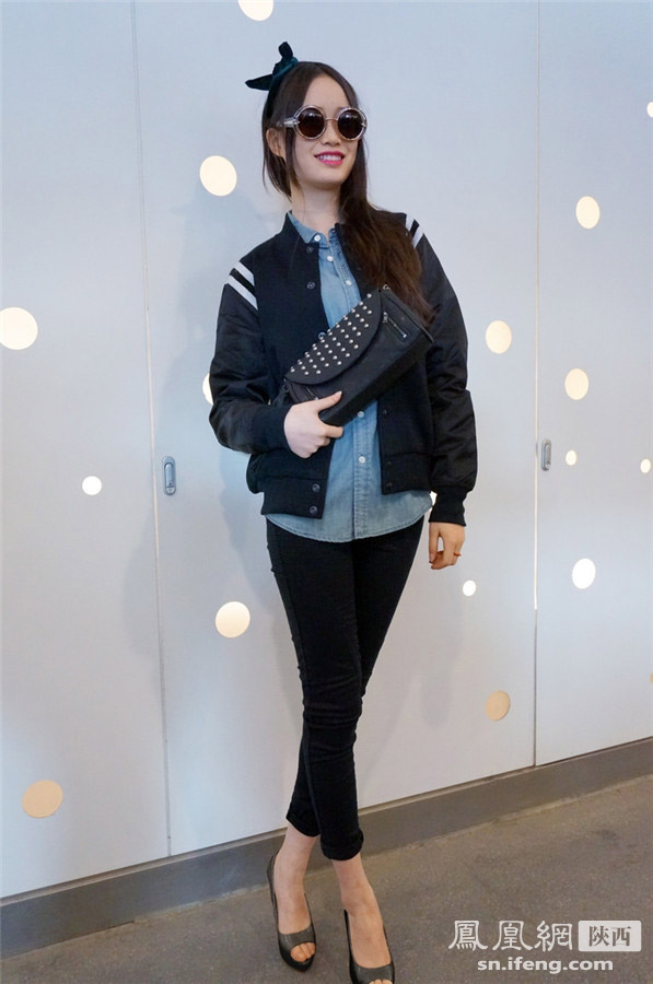时尚街拍秀:运动单品的欧美范混搭范图片