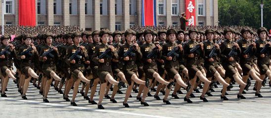 滚动:朝鲜停战60周年大阅兵