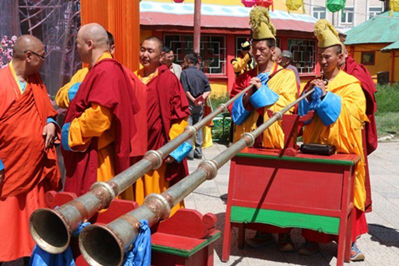 北京 蒙古国/雍和宫向蒙古国捐赠弥勒佛像仪式在乌兰巴托举行