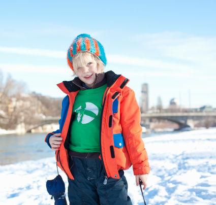 过度保暖影响孩子长个 冬季穿几件衣服合适