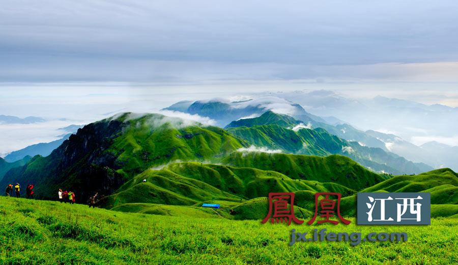 凤凰江西带你登顶安福武功山.安福武功山位于江西吉安境内,是国