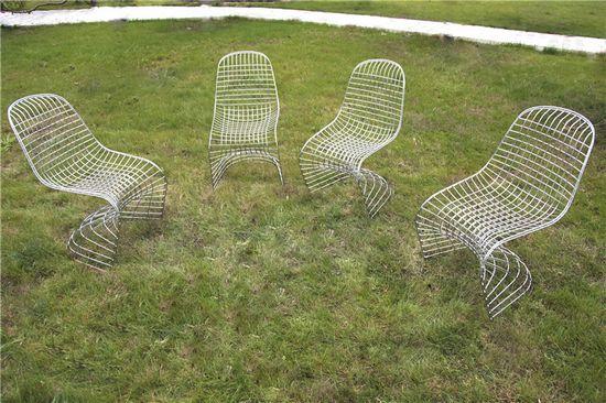 """""""为坐而设计""""回顾展 关于座椅的装置艺术设计展"""