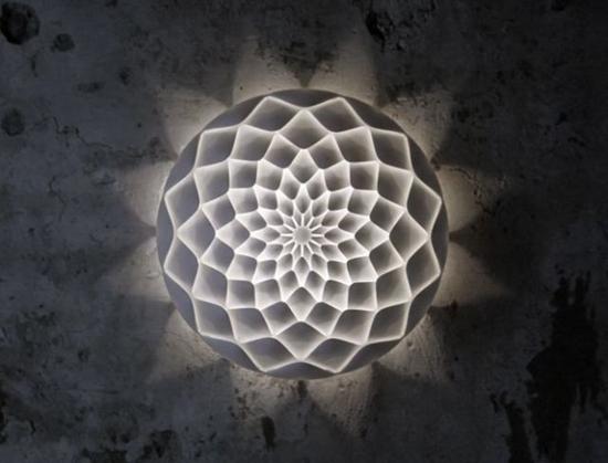 最终把计算机上的蓝图变成实物.本期分享的灯具,通过3D打印技