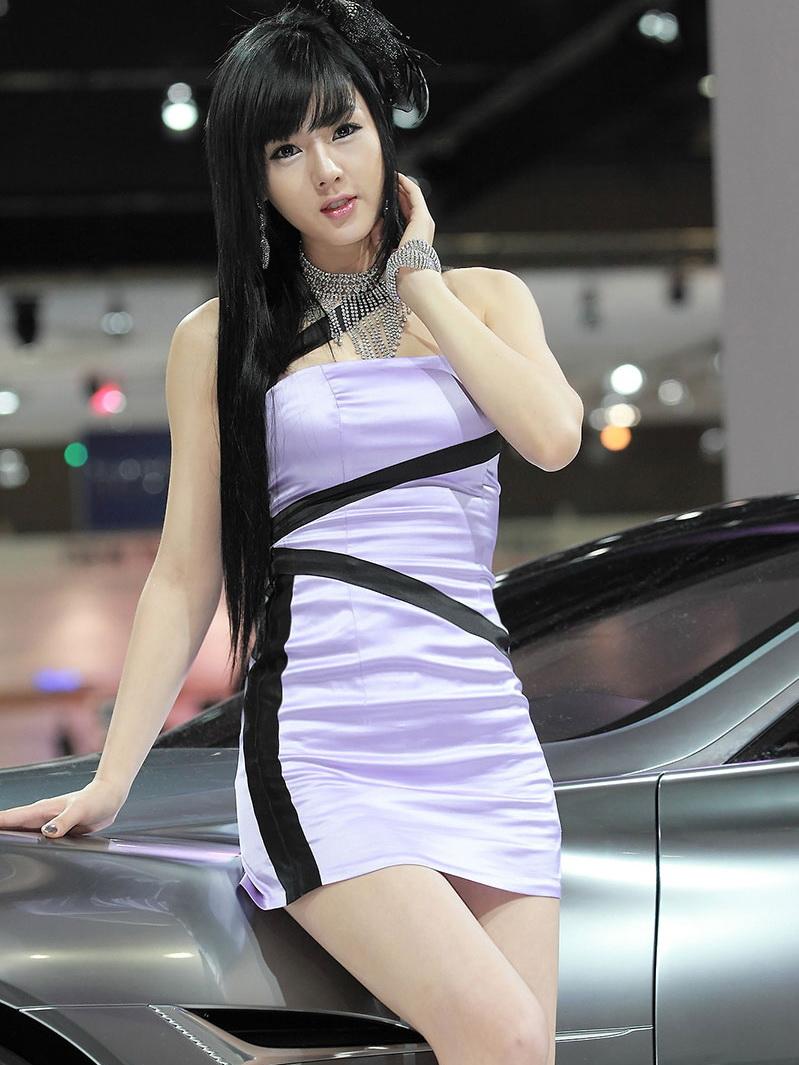 美钻车展性感女子黄美姬华丽转身诱人写真