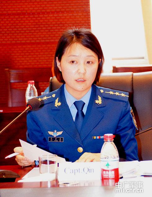 驻华武官参观中国飞豹部队 6名女战机飞行员成军