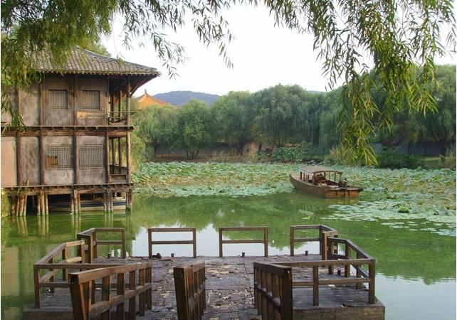 旅游 苏·印象 > 正文   导读:陶祖圣境风景区位于苏,浙,皖三省交界处