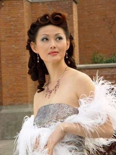 网评各省第一美女富婆:江西陈红身价超3亿图