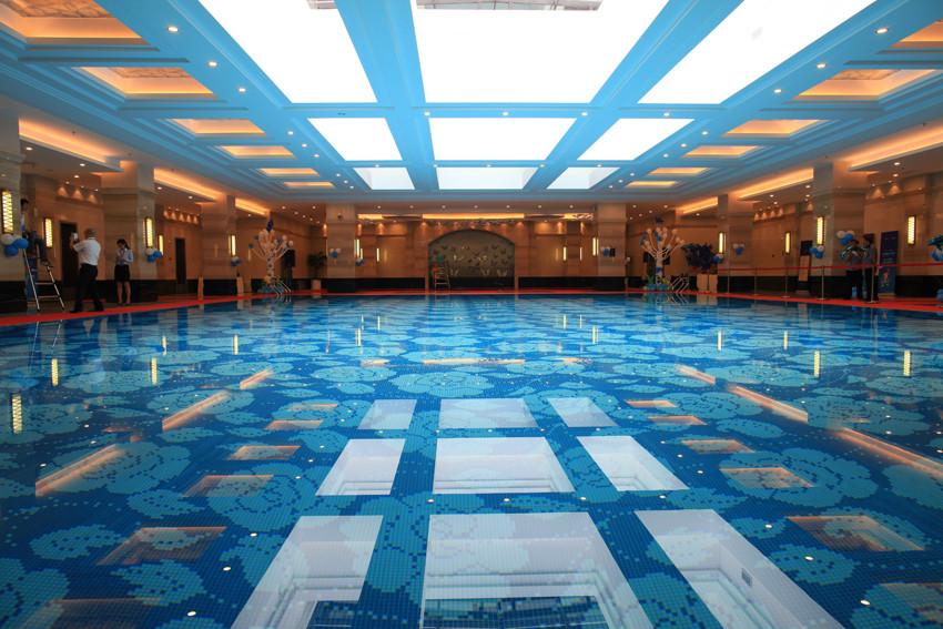 恒温泳池_高科荣境的室内恒温泳池