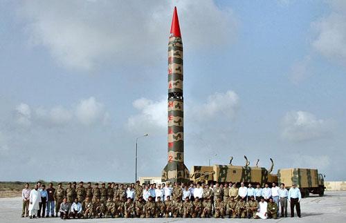 巴基斯坦军方宣布成功试射可携带核弹头中程导弹