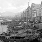 码头边的渔船