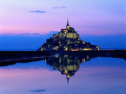 法国圣米歇尔山城堡-欧洲十个最古老的美丽城堡