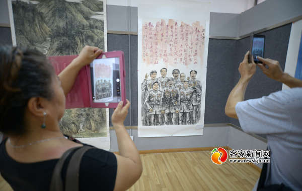 绘画展示抗战精神... y2.ifengimg.com 宽600x379高