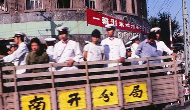 公审公判女犯上绑绳-朱德孙子在1983年 严打 被判死刑图片