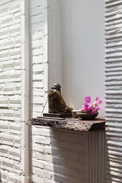 这个装饰很现代清新的办公空间是由越南建筑设计公司A21 Studio于