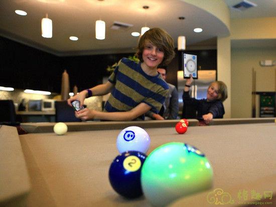 Sphero遥控机器球 溜猫逗狗家居旅行玩物