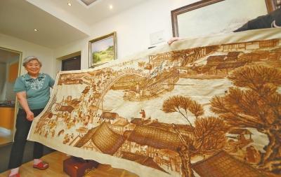 78岁老人耗时1年半 绣出《清明上河图》(图)