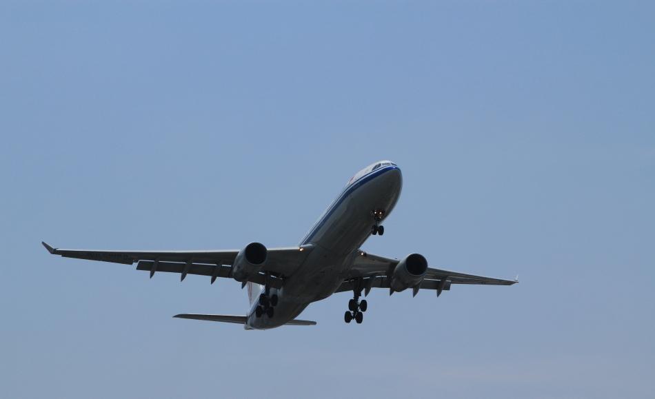 国航空客330 300宽体客机