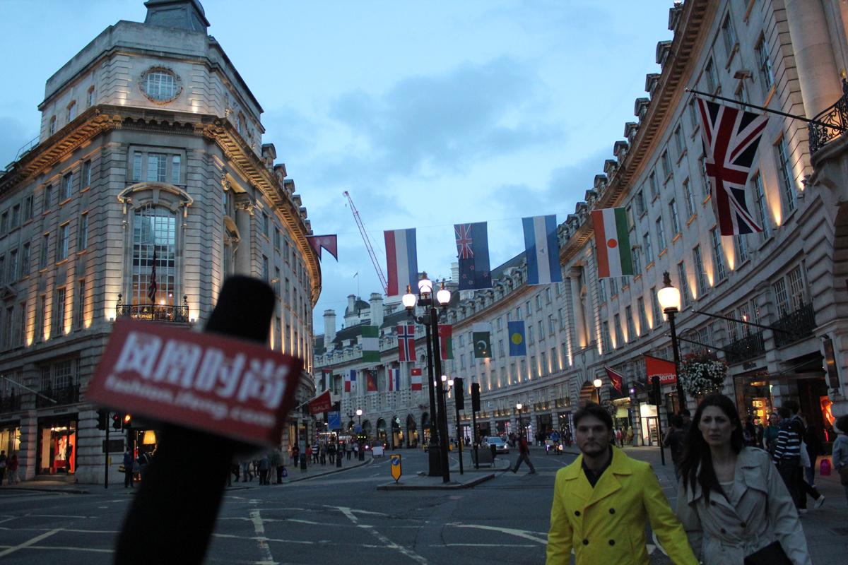 摄政街(Regent Street),是位于英国首都伦敦西区的一条街道。为伦敦的主要商业街,以高质量的英国服装店著称,也是一百多年来伦敦城市文化的象征。