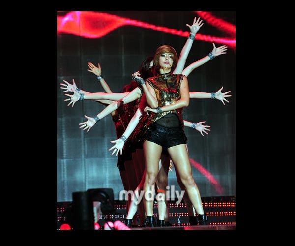 2012韩国梦想演唱会 东方神起少女时代现场热