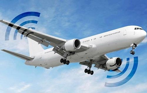 类似于原先飞机上配备的娱乐系统,可以看电影,听音乐,玩游戏,较为意外