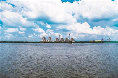 扬州第二发电厂临江布远景