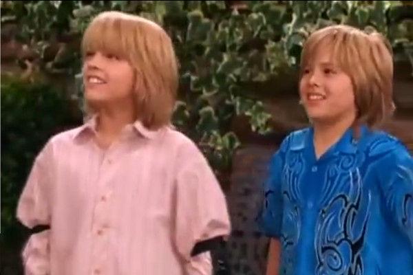 迪士尼/狄伦(右)和弟弟寇尔(左)因拍《小查寇弟的游轮生活》窜红。