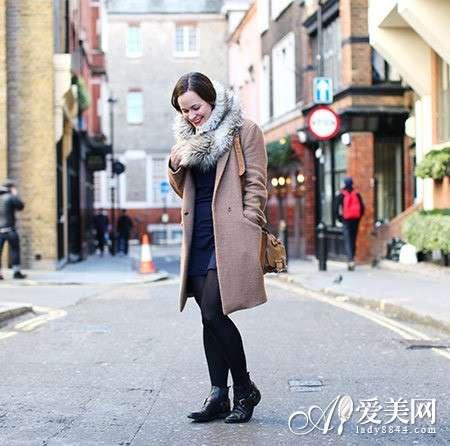 皮草围巾+大衣搭配 奢华又保暖