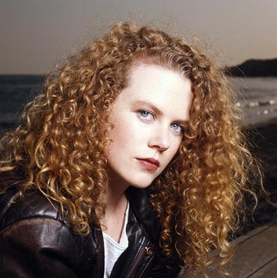 【发型屋】好莱坞女星领衔 那些年流行的卷发_凤凰时尚