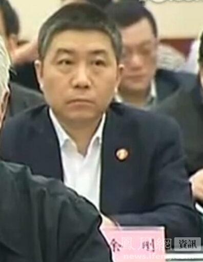 媒体称余刚当上首长秘书后老师赴京求见遭婉