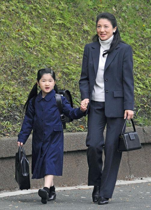 559专栏   政坛大佬 王室贵族送孩子上学