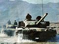 中国大量坦克突现身青藏高原 不顾大雪封山