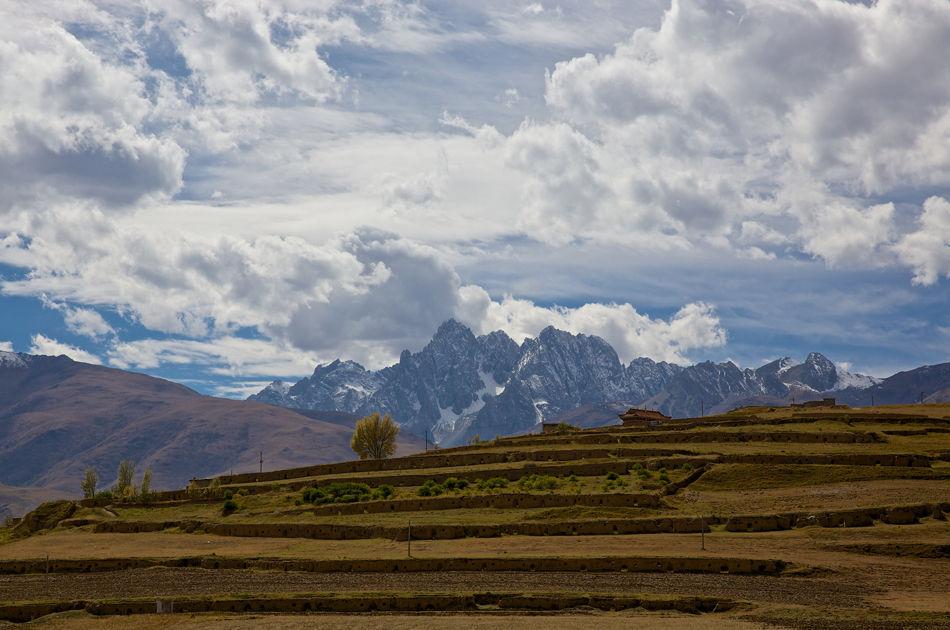 甘孜藏族自治州泸定县,川藏线沿途风景.