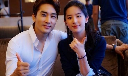 [明星爆料]宋承宪生日办派对 被曝介绍刘亦菲与好友相识
