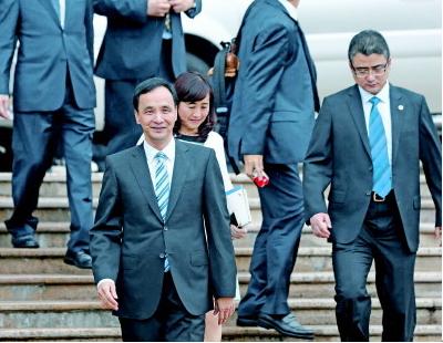 蓝营高层施压朱立伦:向习近平提签署和平协议