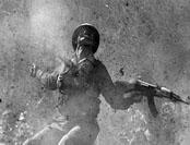 越军手榴弹因质量太差未爆炸 中方险败敌军