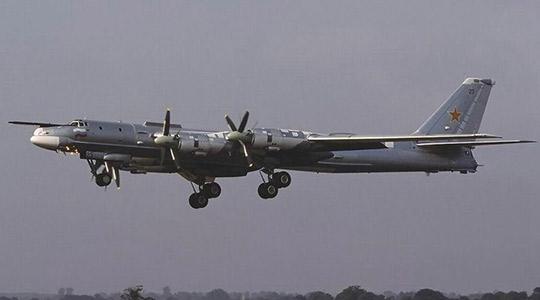 俄罗斯图-95战略轰炸机坠毁