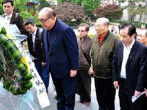 """台湾""""行政院长""""以抗战老兵身份重返战场"""