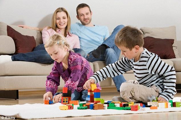 研究发现第一个孩子确实比弟弟妹妹更聪明更活泼