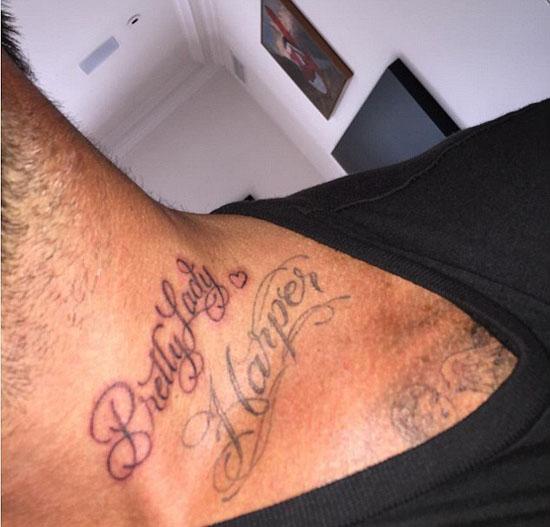 在个人主页秀新纹身-小贝把贝小七纹到了脖子上图片