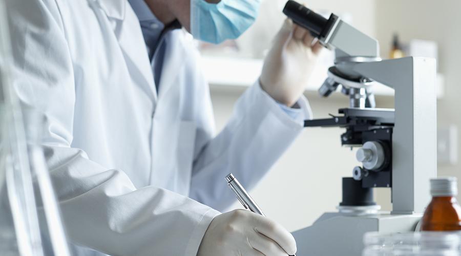 比起来精子储存和冷冻胚胎的技术,冷冻卵子晚了30年。跟冷冻精子相比,冻卵技术还不够成熟。1953年,人类首次冷冻精子成功,此后直到1986年,澳大利亚的克里斯托弗•陈医生才报告了世界上第一例使用冷冻卵子成功受孕的病例。