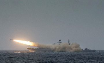 中国海军上百艘舰艇赴东海演习 规模宏大