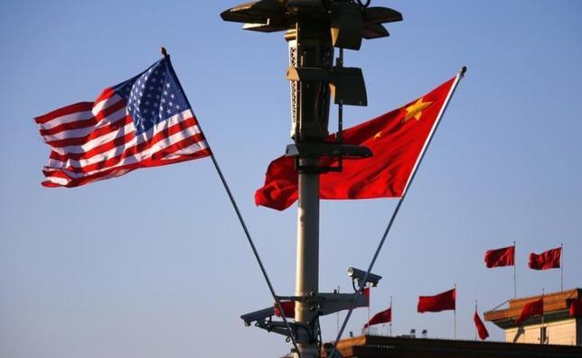 中国与美国国旗-若中美BIT有所突破将为全球经济增长带来新动力