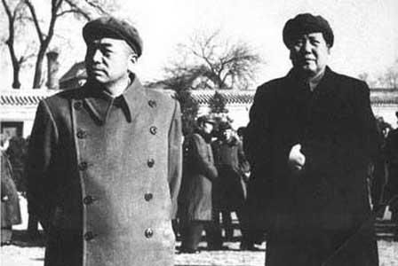 毛泽东诗词选_毛泽东改变中国命运的两次握手