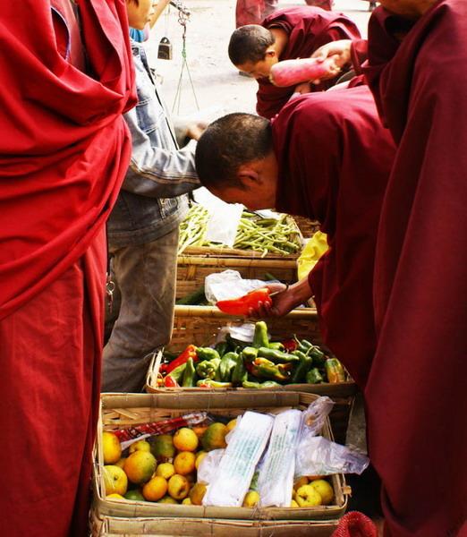 佛教严禁杀生_为什么喇嘛还能吃肉呢