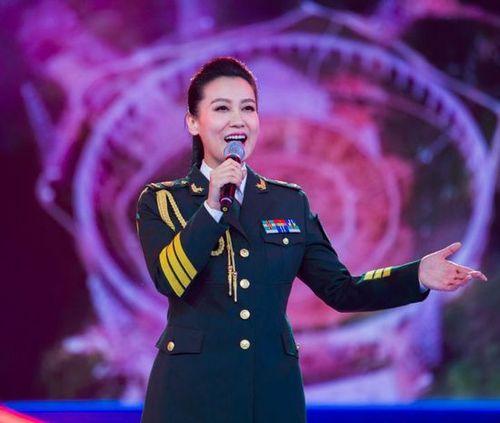 [明星爆料]谭晶产后复出 丈夫是中国工程院最年轻院士