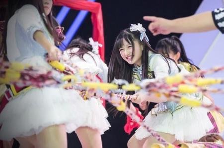 [明星爆料]SNH48成员14岁费沁源走红日本 被盛赞翻版渡边麻友