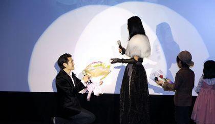 [明星爆料]曹格补求婚表白吴速玲:我做错很多事情