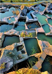 东海岛下石窟宫殿群