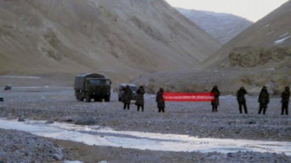 印媒:中国军队进入印控克什米尔 与印军对峙后撤退