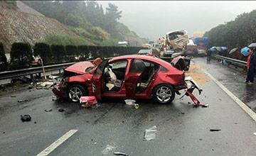 高速上开车的12个夺命习惯 一不小心就没命